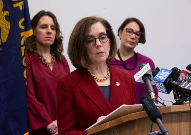 Oregon+Governor+Kate+Brown+is+routinely+updating+Oregonians+on+latest+extraordinary+measures+the+state+is+taking+to+prevent+the+spread+of+COVID-19.